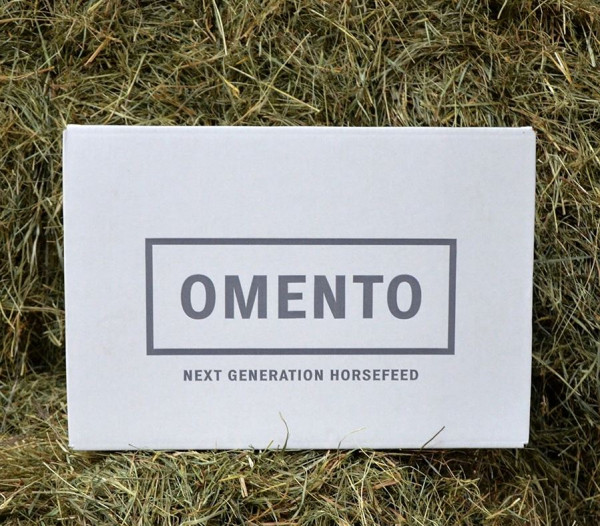 Omento Zero Grain 18kg Karton - Heubasiertes Futterbrikett